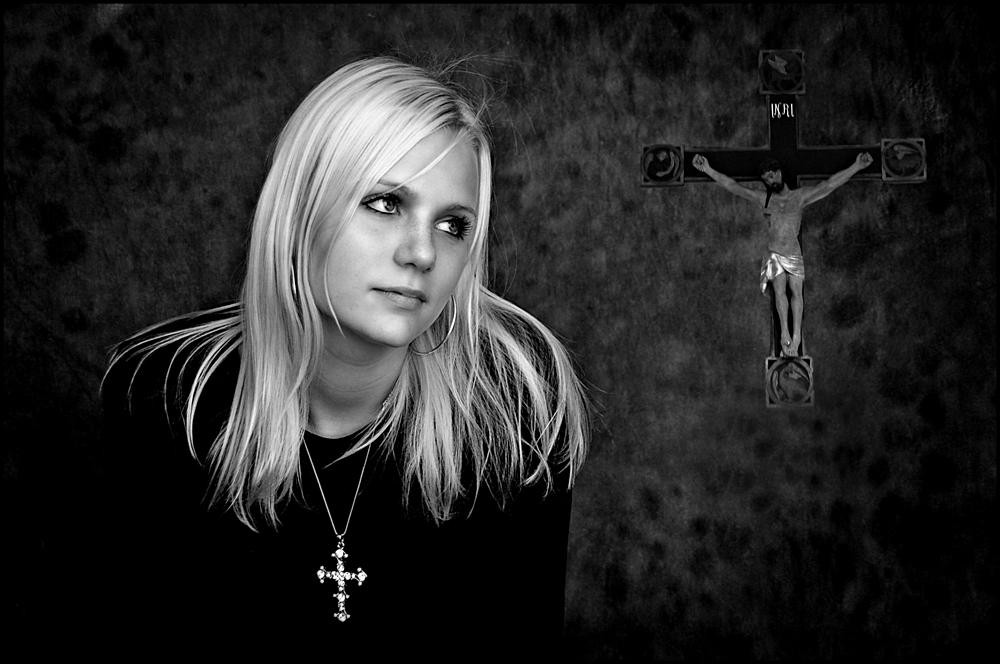 Ole Suszkiewicz - Girl with Cross