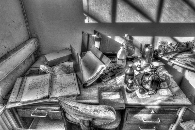 04 - John_Teglmand - SR Office BW