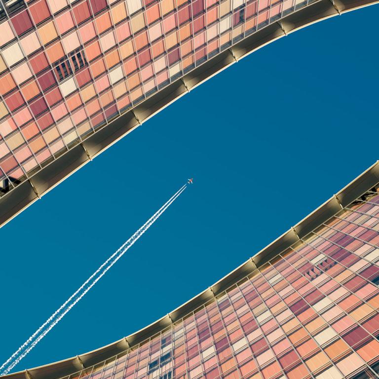 Jet between buildings